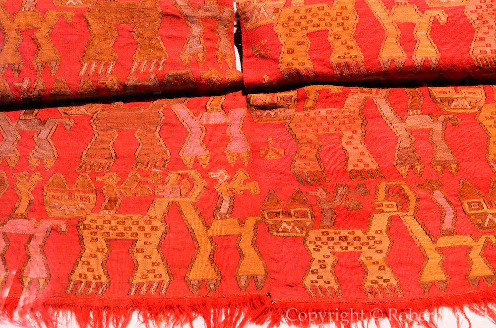 PERU, PREHISPANIC Chancay; textile with feline, bird