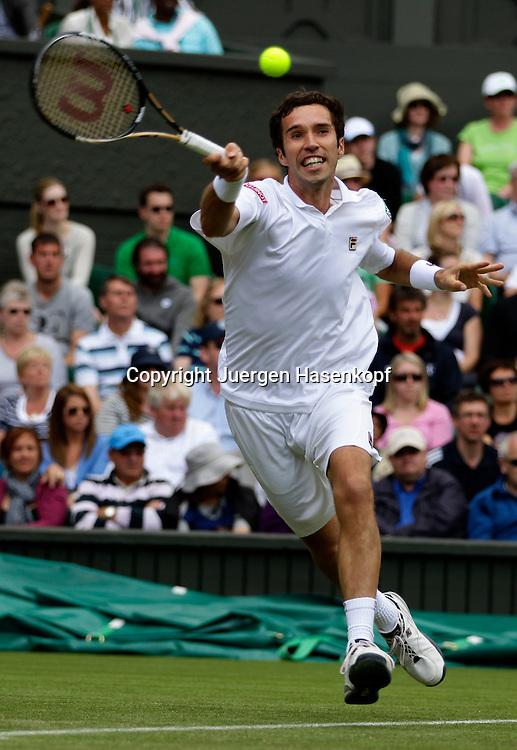 Wimbledon Championships 2011, AELTC,London,.ITF Grand Slam Tennis Tournament , Mikhail Kukushkin (KAZ), Einzelbild,Aktion,Ganzkoerper,Hochformat,.