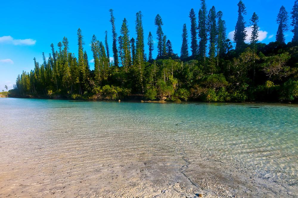 Natural swimming pool, Oro Bay, near the