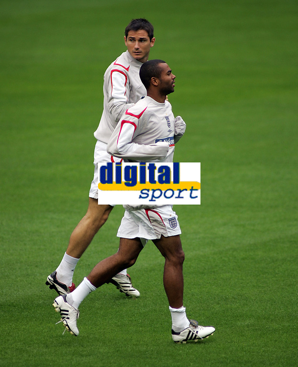 Photo: Paul Thomas.<br /> England training at Carrington. 30/08/2006. <br /> <br /> Frank Lampard (L) and Ashley Cole arrive late to the training.