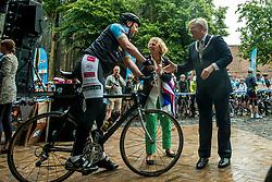 24-06-2017 NED: Start Homeside &amp; Homerun, Utrecht<br /> Vanaf de Domplein startte de HomeRide en Homerun. Een 500km en 200 km event in 24 uur. Renate Westerlaken, Burgemeester Jan van Zanen