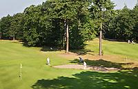 LOCHEM - Hole 16  en rechts 4 . .  Lochemse Golf- & Countryclub 'De Graafschap. COPYRIGHT KOEN SUYK