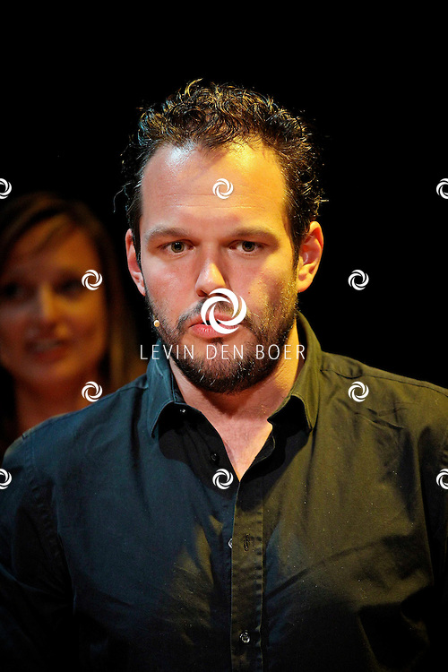 AMSTERDAM - In het DeLaMar Theater gaf Joop van den Ende Theaterproducties een kleine sneakpeak naar de nieuwe Nederlandse Musical, Hij Gelooft In Mij.  Met op de foto Boy Ooteman. FOTO LEVIN DEN BOER - PERSFOTO.NU