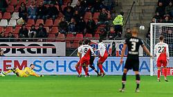 23-11-2019 NED: FC Utrecht - AZ Alkmaar, Utrecht<br /> Round 14 / Maarten Paes #16 of FC Utrecht