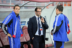 22.10.2013, Ghencea Stadion, Bukarest, ROM, UEFA CL, Steaua Bukarest vs FC Basel, Gruppe E, im Bild Philipp (L), David Degen im Gespraech mit Sportdirektor Georg Heitz (Basel) // during the UEFA Champions League group E match between Steaua Bukarest and FC Basel at the Ghencea Stadion in Bukarest, Romania on 2013/10/23. EXPA Pictures &copy; 2013, PhotoCredit: EXPA/ Freshfocus/ Andy Mueller<br /> <br /> *****ATTENTION - for AUT, SLO, CRO, SRB, BIH, MAZ only*****