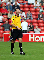 Photo: Mark Stephenson.<br /> Walsall v Port Vale. Coca Cola League 1. 08/09/2007.Referee Mr M.P Russell
