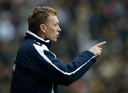 WIGAN, ENGLAND - Sunday, January 20, 2008: Everton's manager David Moyes during the Premiership match against Wigan Athletic at the JJB Stadium. (Photo by David Rawcliffe/Propaganda)
