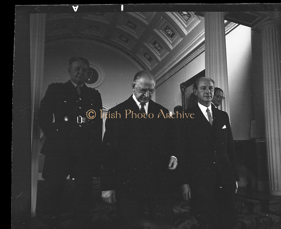 The new Taoiseach, Jack Lynch, recieves his seal of office from President Eamon de Valera at Áras an Uachtarain.<br /> 10.11.1966