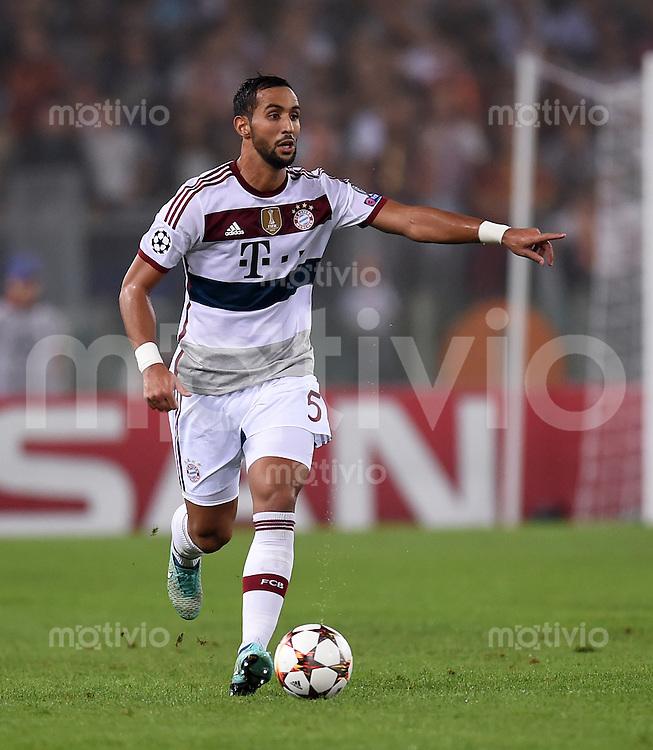 FUSSBALL   CHAMPIONS LEAGUE   SAISON 2014/2015   Vorrunde AS Rom - FC Bayern Muenchen        21.10.2014 Mehdi Benatia (FC Bayern Muenchen)  am Ball