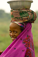 Peul woman after a market, Benin - West Africa - photograph by Owen Franken