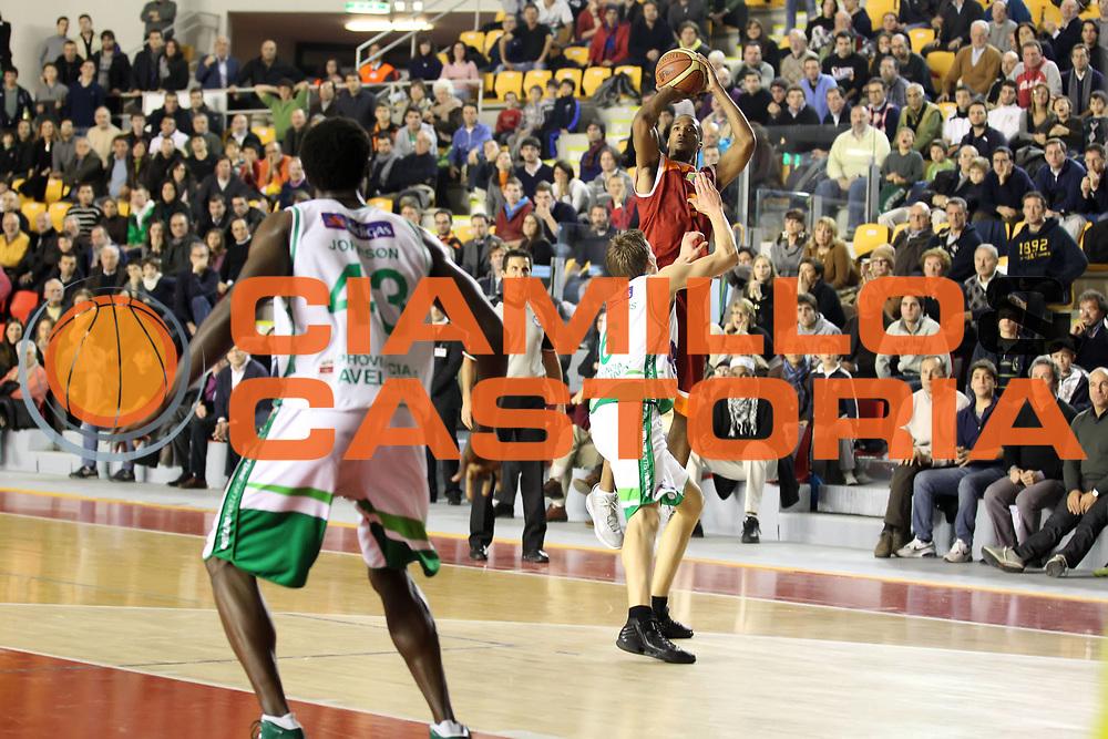 DESCRIZIONE : Roma Lega A 2011-12 Acea Virtus Roma Sidigas Avellino<br /> GIOCATORE : Clay Tucker<br /> CATEGORIA : tiro<br /> SQUADRA : Acea Virtus Roma<br /> EVENTO : Campionato Lega A 2011-2012<br /> GARA : Acea Virtus Roma Sidigas Avellino<br /> DATA : 18/12/2011<br /> SPORT : Pallacanestro<br /> AUTORE : Agenzia Ciamillo-Castoria/ElioCastoria<br /> Galleria : Lega Basket A 2011-2012<br /> Fotonotizia : Roma Lega A 2011-12 Acea Virtus Roma Sidigas Avellino<br /> Predefinita :