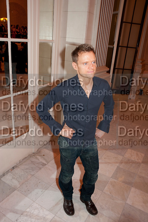 MARC WARREN, Aldwych theatre's Cool Hand Luke first night party. Waldorf Hilton. London. 3 October 2011. <br /> <br />  , -DO NOT ARCHIVE-&copy; Copyright Photograph by Dafydd Jones. 248 Clapham Rd. London SW9 0PZ. Tel 0207 820 0771. www.dafjones.com.