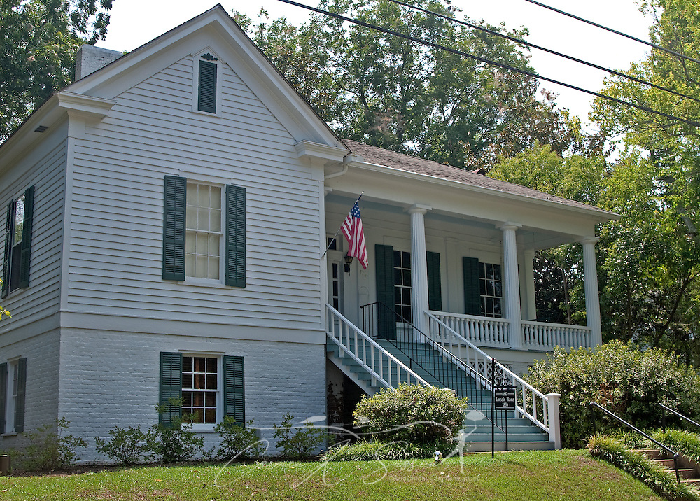 The Lincoln Home is pictured in Columbus, Miss. Aug. 16, 2010. The house, built in 1833, now serves as a bed and breakfast lodge. (Photo by Carmen K. Sisson/Cloudybright)