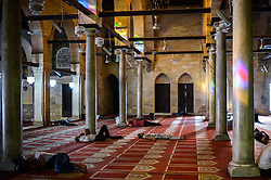 60103056  <br /> Egyptian Muslims sleep waiting for the time to break their fast at Al-Azhar Mosque on the first day of the holy month of Ramadan in Cairo, Egypt on Wednesday, July 10, 2013.<br /> Photo by imago / i-Images