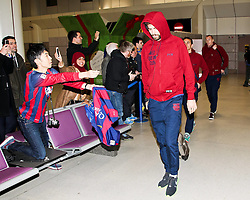Gerard Pique of FC Barcelona arrives at Manchester Airport with the squad ahead of the UEFA Champions League tie against Manchester City - Photo mandatory by-line: Matt McNulty/JMP - Mobile: 07966 386802 - 23/02/2015 - SPORT - Football - Manchester - Manchester Airport