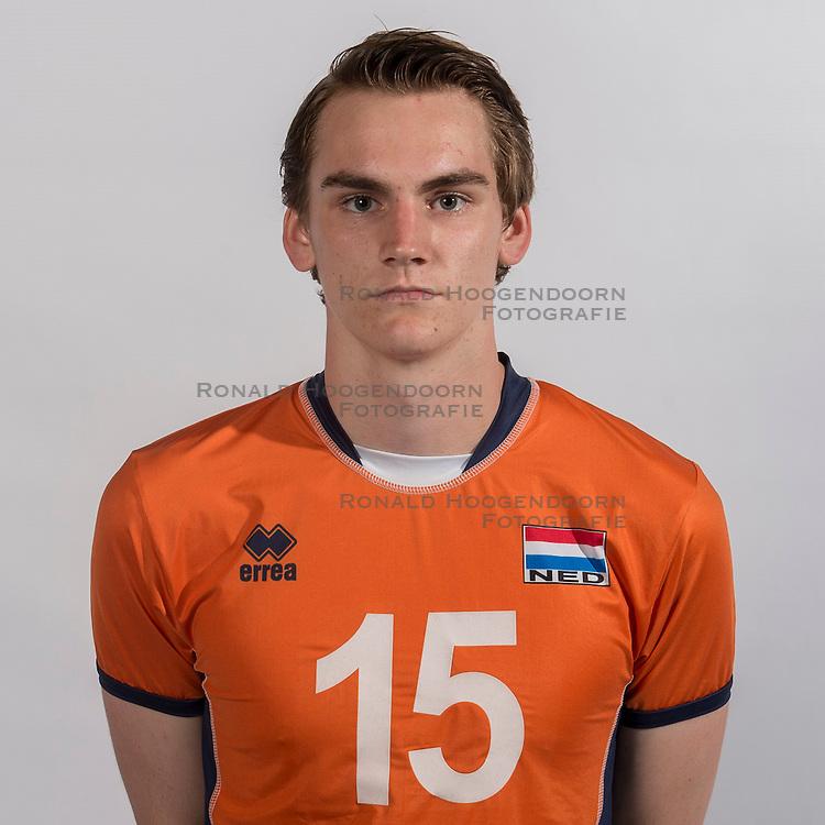 07-06-2016 NED: Jeugd Oranje jongens &lt;1999, Arnhem<br /> Photoshoot met de jongens uit jeugd Oranje die na 1 januari 1999 geboren zijn / Sjors Tijhuis MID07-06-2016 NED: Jeugd Oranje jongens
