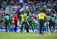 Cricket - 2019 ICC Cricket World Cup - Group Stage: South Africa vs. Bangladesh<br /> <br /> South Africa's Faf du Plessis clean bowled by Bangladesh's Mehidy Hasan, at The Kia Oval.<br /> <br /> COLORSPORT/ASHLEY WESTERN