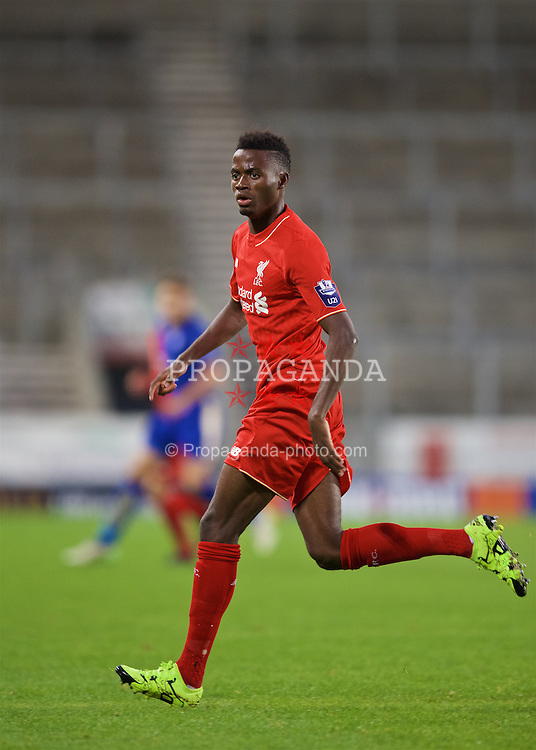 ST HELENS, ENGLAND - Monday, September 28, 2015: Liverpool's Madger Gomes in action against Leicester City during the Under 21 FA Premier League match at Langtree Park. (Pic by David Rawcliffe/Propaganda)
