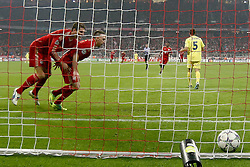 22.11.2011, Allianz Arena, Muenchen, UEFA CL, Gruppe A, GER, FC Bayern Muenchen (GER) vs FC Villarreal (ESP), im Bild  Jubel vor dem tor nach dem 1-0 durch Franck Ribery (Bayern #7) mit Mario Gomez (Bayern #33) //during the football match of UEFA Champions league, group a, between  FC Bayern Muenchen (GER)  vs.  FC Villarreal  (ESP) Gruppe A, on 2011/11/22 at Allianz Arena, Munich, Germany. EXPA Pictures © 2011, PhotoCredit: EXPA/ nph/ Straubmeier..***** ATTENTION - OUT OF GER, CRO *****