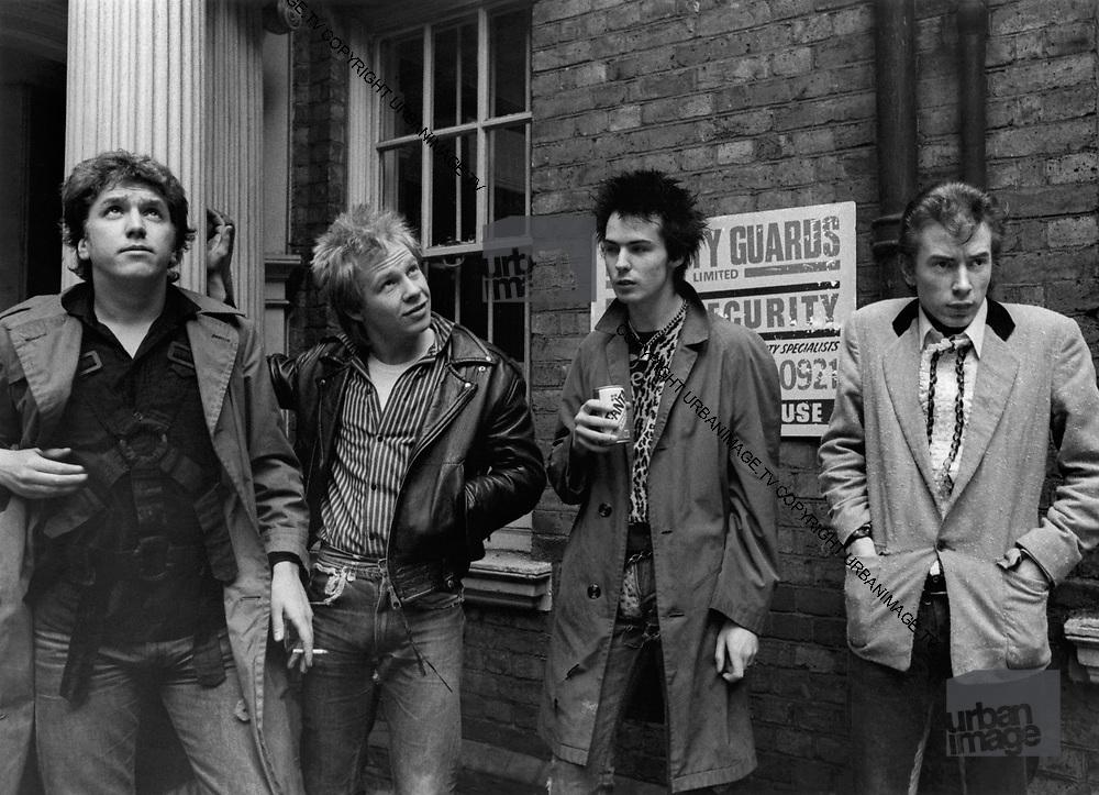 Sex Pistols Oxford Street Glitterbest photosession - 1977