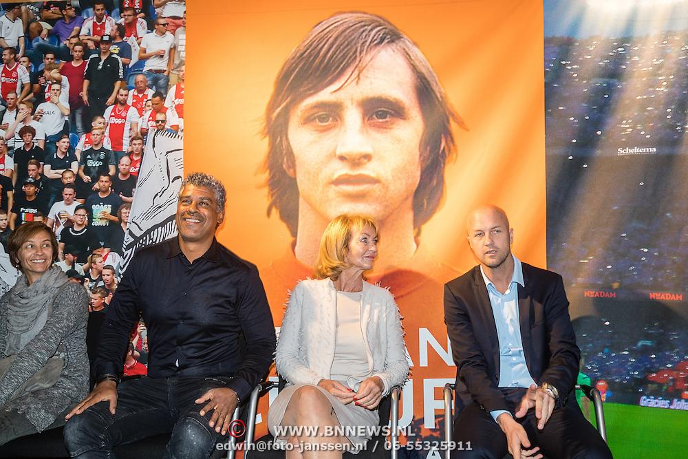 NLD/Amsterdam/20161007 - Presentatie biografie over het leven van oud voetballer Johan Cruijff, dochter Susila, Frank Rijkaard, vrouw Danny Cruijff - Coster en zoon Jordi