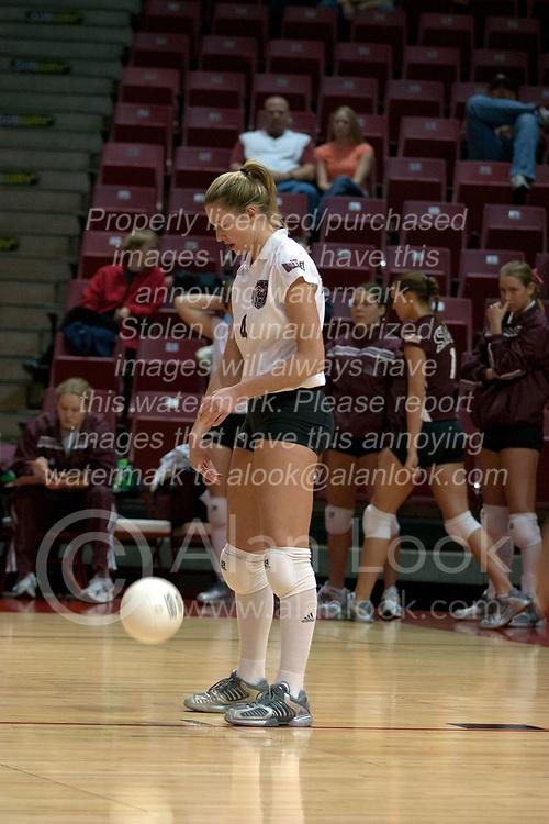 06 November 2004....SMSBears Sabrina Apker....Illinois State University Redbirds V SouthWest Missouri State University Bears Volleyball.  Redbird Arena, Illinois State University, Normal IL..Illinois State Redbirds v Southwest Missouri State