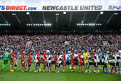 The players line up - Rogan Thomson/JMP - 25/02/2017 - FOOTBALL - St James' Park - Newcastle, England - Newcastle United v Bristol City - Sky Bet EFL Championship.
