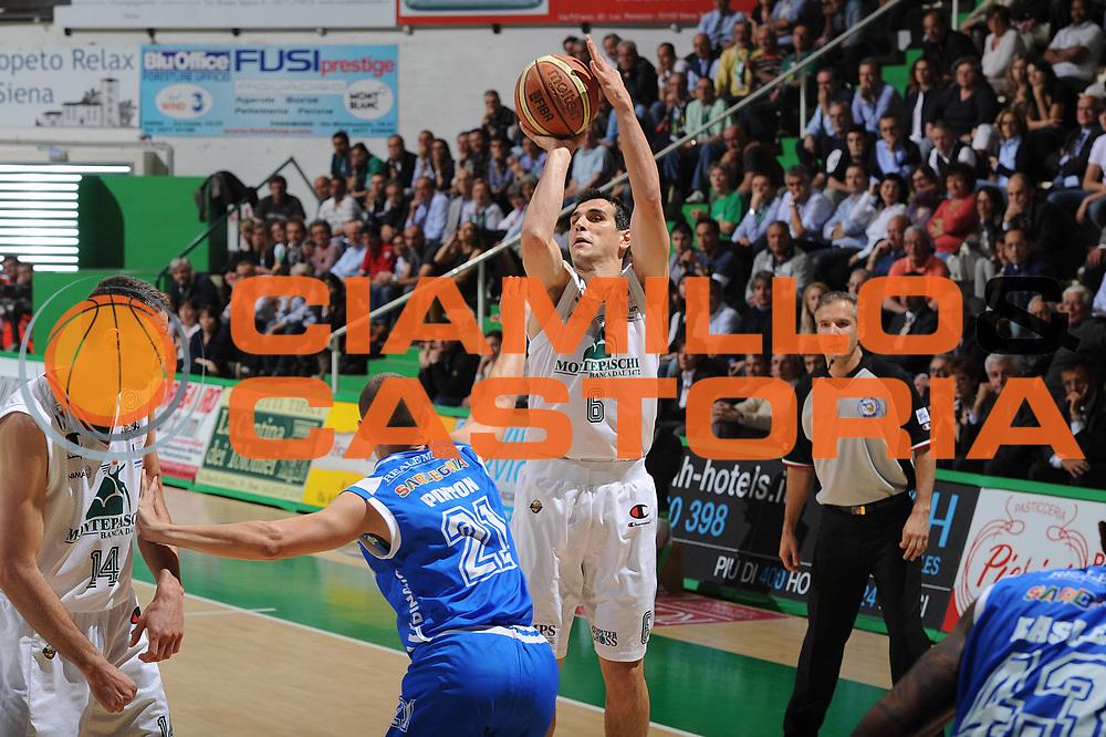 DESCRIZIONE : Siena Lega A 2011-12 Montepaschi Siena Banco di Sardegna Sassari Semifinale Play off gara 1<br /> GIOCATORE : Nikolaos Zisis<br /> CATEGORIA : tiro<br /> SQUADRA : Montepaschi Siena<br /> EVENTO : Campionato Lega A 2011-2012 Montepaschi Siena Banco di Sardegna Sassari Semifinale Play off gara 1<br /> DATA : 28/05/2012<br /> SPORT : Pallacanestro <br /> AUTORE : Agenzia Ciamillo-Castoria/GiulioCiamillo<br /> Galleria : Lega Basket A 2011-2012<br /> Fotonotizia : Siena Lega A 2011-12 Montepaschi Siena Banco di Sardegna Sassari Semifinale Play off gara 1<br /> Predefinita :
