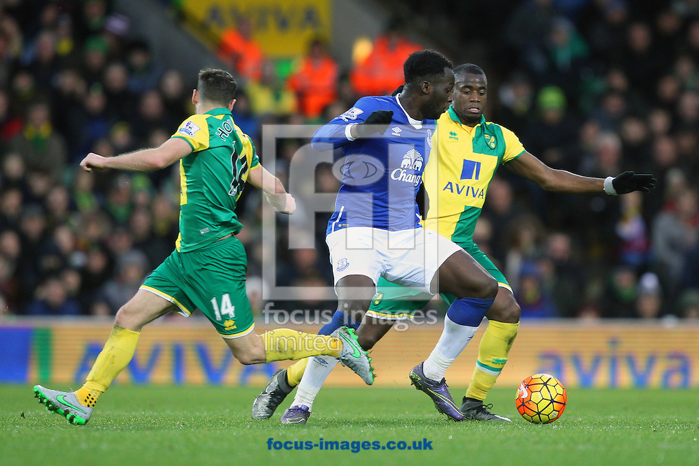 Wes Hoolahan of Norwich and Romelu Lukaku of Everton in action during the Barclays Premier League match at Carrow Road, Norwich<br /> Picture by Paul Chesterton/Focus Images Ltd +44 7904 640267<br /> 12/12/2015