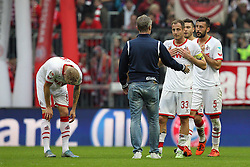 24.10.2015, Allianz Arena, Muenchen, GER, 1. FBL, FC Bayern Muenchen vs 1. FC K&ouml;ln, 10. Runde, im Bild Schlusspfiff, enttaeuschung bei Kevin Vogt #6 (1. FC Koeln), Chef-Trainer Peter Stoeger (1. FC Koeln) und Matthias Lehmann #33 (1. FC Koeln) // during the German Bundesliga 10th round match between FC Bayern Munich and 1. FC Cologne at the Allianz Arena in Muenchen, Germany on 2015/10/24. EXPA Pictures &copy; 2015, PhotoCredit: EXPA/ Eibner-Pressefoto/ Kolbert<br /> <br /> *****ATTENTION - OUT of GER*****