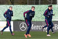 (L-R) Donny van de Beek of Ajax, Matthijs de Ligt of Ajax, Maximilian Wöber of Ajax, Klaas Jan Huntelaar of Ajax during the trainings session of Ajax Amsterdam at the Toekomst on January 30, 2018 in Amsterdam, The Netherlands