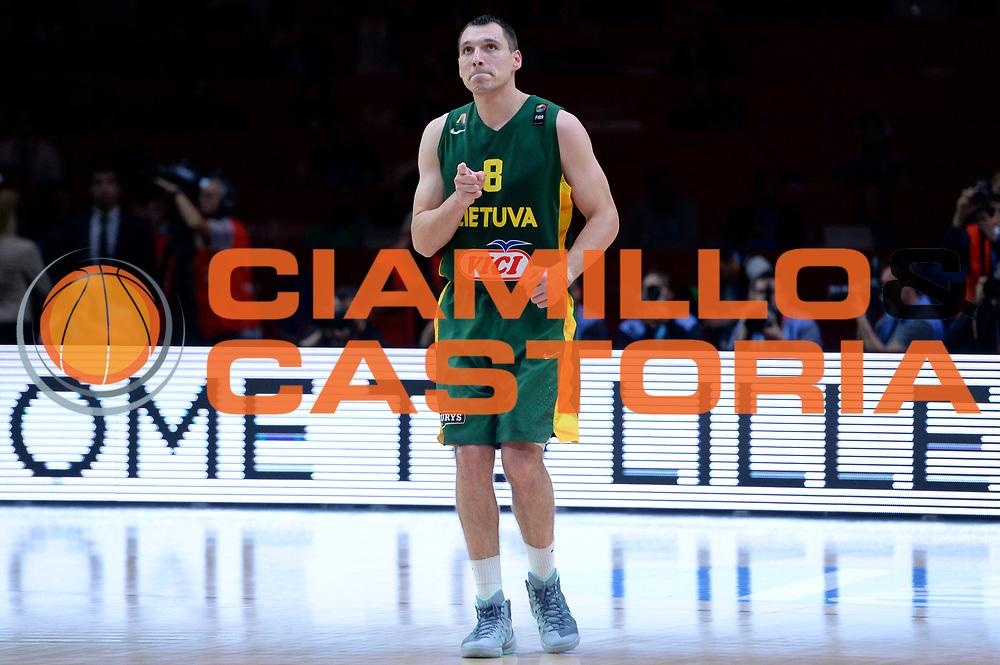 DESCRIZIONE : Lille Eurobasket 2015 Quarti di Finale Quarter Finals Lituania Italia Lithuania Italy<br /> GIOCATORE : Jonas Maciulis<br /> CATEGORIA : esultanza<br /> SQUADRA : Lituania Lithuania<br /> EVENTO : Eurobasket 2015 <br /> GARA : Lituania Italia Lithuania Italy<br /> DATA : 16/09/2015 <br /> SPORT : Pallacanestro <br /> AUTORE : Agenzia Ciamillo-Castoria/Max.Ceretti<br /> Galleria : Eurobasket 2015 <br /> Fotonotizia : Lille Eurobasket 2015 Quarti di Finale Quarter Finals Lituania Italia Lithuania Italy