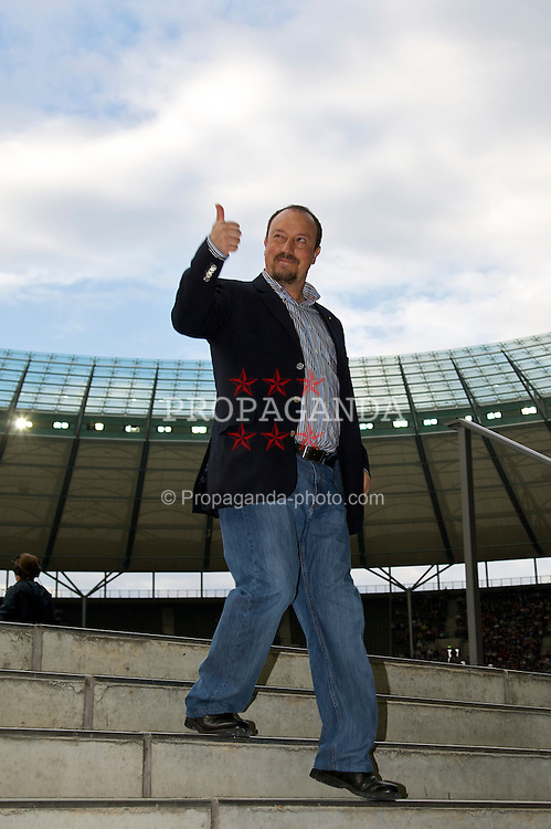 BERLIN, GERMANY - Tuesday, July 22, 2008: Liverpool's manager Rafael Benitez before a pre-season friendly match against Hertha BSC Berlin at the Olympiastadion. (Photo by David Rawcliffe/Propaganda)