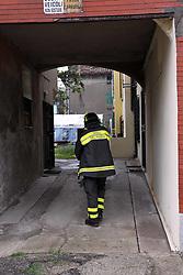 TERREMOTO NEL FERRARESE 2012: I VIGILI DEL FUOCO CONTROLLANO L'AGIBILITA' DELLE CASE