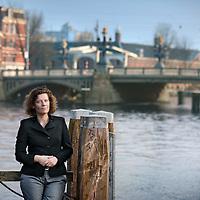 Nederland, Amsterdam , 8 november 2011..Carolien Gehrels is sinds april 2006 wethouder in Amsterdam. Sinds april 2010 beheert zij de portefeuilles Economische Zaken, Kunst en Cultuur, Lokale Media, Waterbeheer, Monumenten, Bedrijven, Deelnemingen, Bedrijfsvoering en Inkoop...Foto:Jean-Pierre Jans