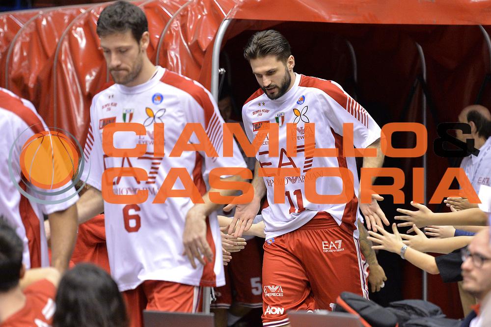 DESCRIZIONE : Milano Lega A 2014-15  EA7 Emporio Armani Milano vs Vagoli Basket Cremona<br /> GIOCATORE :Linas Kleiza<br /> CATEGORIA : PreGame ingresso in campo<br /> SQUADRA : EA7 Emporio Armani Milano<br /> EVENTO : Campionato Lega A 2014-2015<br /> GARA : EA7 Emporio Armani Milano vs Vagoli Basket Cremona<br /> DATA : 25/01/2015<br /> SPORT : Pallacanestro <br /> AUTORE : Agenzia Ciamillo-Castoria/I.Mancini<br /> Galleria : Lega Basket A 2014-2015  <br /> Fotonotizia : Cant&ugrave; Lega A 2014-2015 Pallacanestro : EA7 Emporio Armani Milano vs Vagoli Basket Cremona<br /> Predefinita :