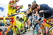 Red Hook Crit London no. 3<br /> Athletes area <br /> <br /> Photo: Tornanti.cc