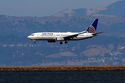 Boeing 737-824 (N26226) operated by United Airlines landing at San Francisco International Airport (KSFO), San Francisco, California, United States of America
