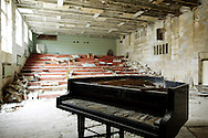 The Culture House amphitheater at the abandoned town of Prypiat, built less than 5 kilometers from the explosion site an whose objective was to service Chernobyl stations. Because of the high levels of radiation, all 50,000 residents were evacuated from the city the day after the disaster, not having time to gather all their personal belongings.
