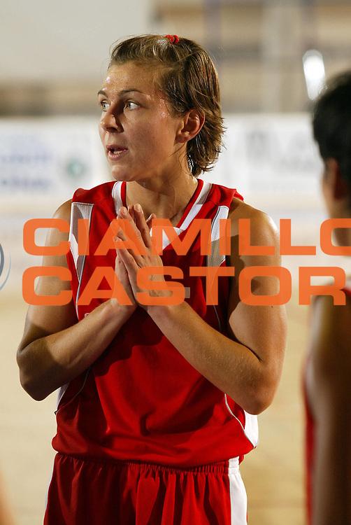 DESCRIZIONE : Taranto Lega A1 Femminile 2005-06 Lenzi Professional Bolzano Gescom Viterbo <br /> GIOCATORE : Mazzali <br /> SQUADRA : Lenzi Professional Bolzano <br /> EVENTO : Campionato Lega A1 Femminile  2005-2006 <br /> GARA : Lenzi Professional Bolzano Gescom Viterbo <br /> DATA : 02/10/2005 <br /> CATEGORIA : <br /> SPORT : Pallacanestro <br /> AUTORE : Agenzia Ciamillo-Castoria