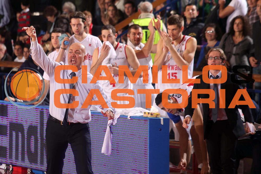 DESCRIZIONE : Reggio Emilia Lega A 2012-13 Trenkwalder Reggio Emilia Scavolini Banca Marche Pesaro<br /> GIOCATORE : Massimiliano Menetti<br /> CATEGORIA : ritratto esultanza<br /> SQUADRA : Trenkwalder Reggio Emilia <br /> EVENTO : Campionato Lega A 2012-2013 <br /> GARA : Trenkwalder Reggio Emilia Scavolini Banca Marche Pesaro<br /> DATA : 04/11/2012<br /> SPORT : Pallacanestro <br /> AUTORE : Agenzia Ciamillo-Castoria/P. Boccaccini<br /> Galleria : Lega Basket A 2012-2013  <br /> Fotonotizia : Reggio Emilia Lega A 2012-13 Trenkwalder Reggio Emilia Scavolini Banca Marche Pesaro