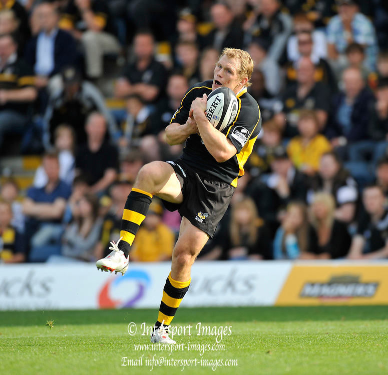Wycombe, GREAT BRITAIN,  Josh LEWSEY, calls for the mark, during the Guinness Premiership match,  London Wasps vs Worcester Warriors at Adam's Park Stadium, Bucks on Sun 14.09.2008. [Photo, Peter Spurrier/Intersport-images]