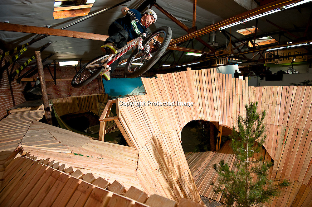 Jeremy Witek gets some serious airtime jumping into the bowl on set of Fuel Tv show Built To Shred.
