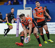 Greg Minikin of Castleford Tigers races over to score during the Pre-season Friendly match at Belle Vue, Wakefield<br /> Picture by Richard Land/Focus Images Ltd +44 7713 507003<br /> 15/01/2017