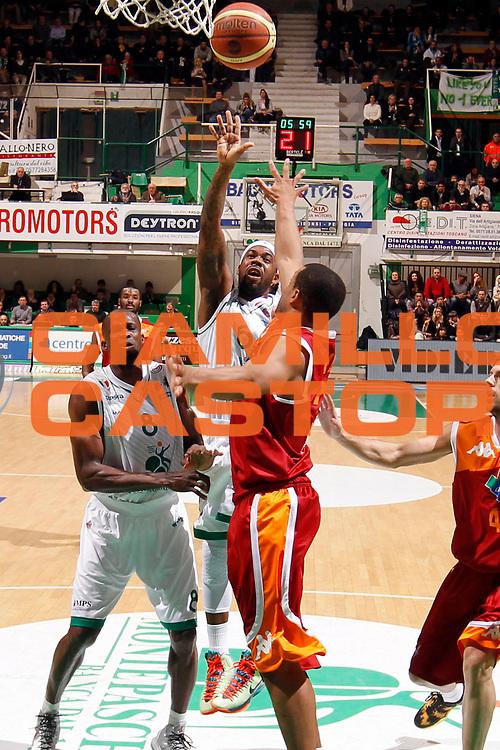 DESCRIZIONE : Siena Lega A 2012-13 Montepaschi Siena Acea Roma<br /> GIOCATORE : Bobby Brown<br /> CATEGORIA : tiro<br /> SQUADRA : Montepaschi Siena<br /> EVENTO : Campionato Lega A 2012-2013 <br /> GARA : Montepaschi Siena Acea Roma<br /> DATA : 11/03/2013<br /> SPORT : Pallacanestro <br /> AUTORE : Agenzia Ciamillo-Castoria/P.Lazzeroni<br /> Galleria : Lega Basket A 2012-2013  <br /> Fotonotizia : Siena Lega A 2012-13 Montepaschi Siena Acea Roma<br /> Predefinita :