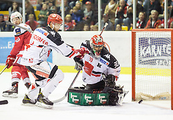 02.10.2016, Stadthalle, Klagenfurt, AUT, EBEL, EC KAC vs HC TWK Innsbruck, 6. Runde Grunddurchgang, im Bild Manuel Ganahl (EC KAC, #17),Daniel Mitterdorfer (HC TWK Innsbruck, #4), Andy Chiodo (HC TWK Innsbruck, #30) // during the Erste Bank Eishockey League 6th match at preliminary round betweeen EC KAC and HC TWK Innsbruck at the City Hall in Klagenfurt, Austria on 2016/10/02. EXPA Pictures © 2016, PhotoCredit: EXPA/ Gert Steinthaler