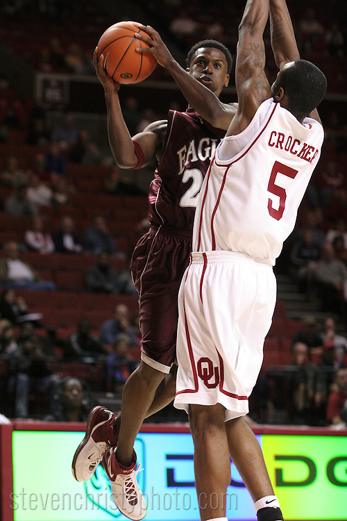 OC Men's Basketball at OU.October 31, 2006.79-51 loss