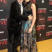NLD/Amsterdam/20181126 - premiere All You Need Is Love, Hajo Bruins en partner Linde van den Heuvel