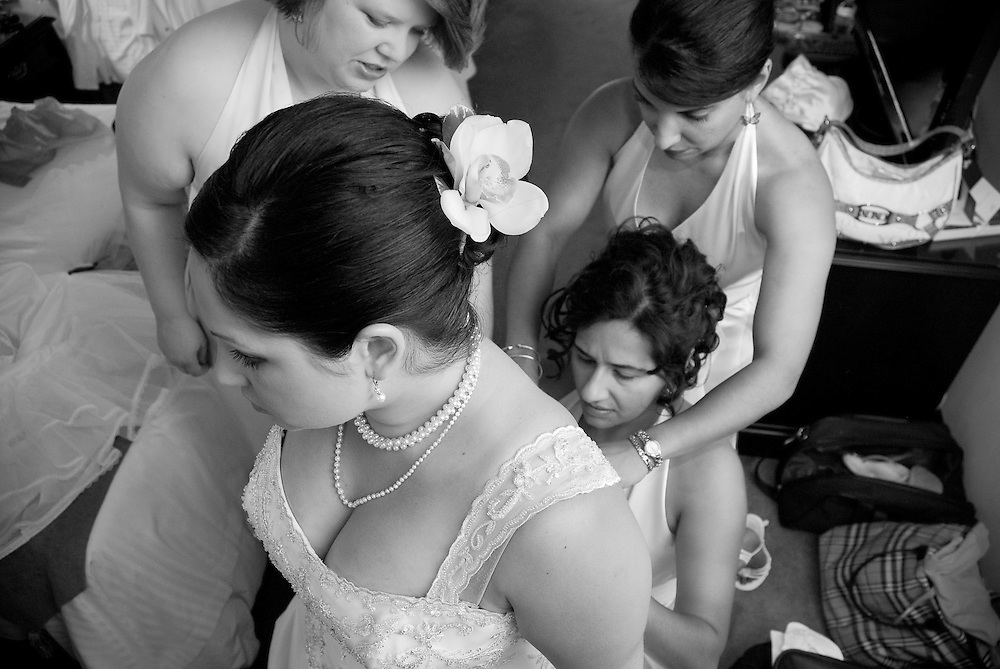 Documentary wedding photography by Derek Knight