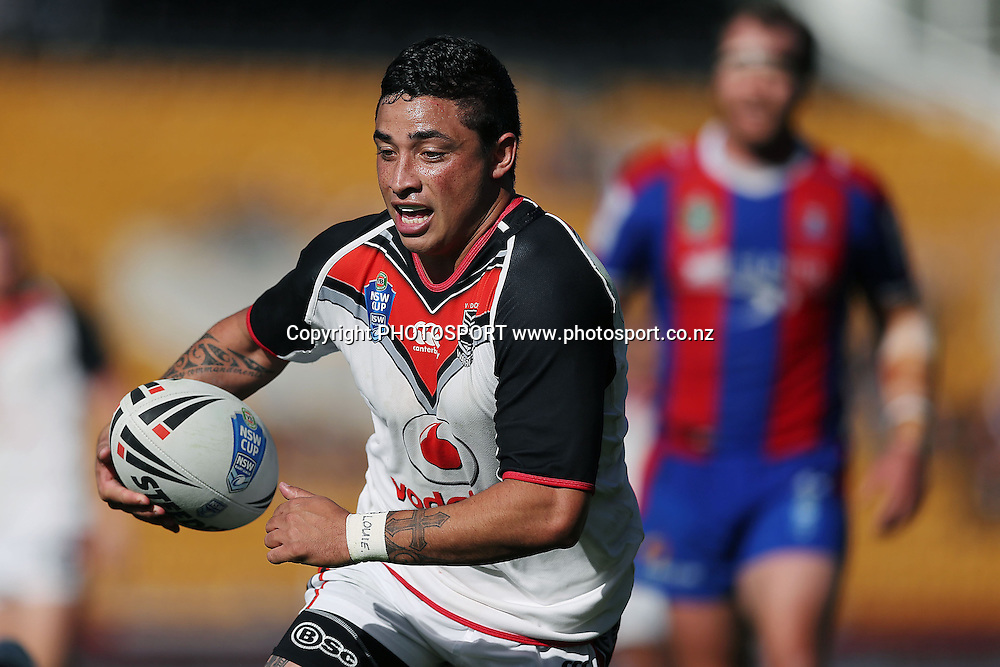 Warriors' Kevin Locke in action. NSW Cup Rugby League, Warriors v Knights , Mt Smart Stadium, Auckland, New Zealand. Sunday 1st June 2014. Photo: Anthony Au-Yeung / photosport.co.nz